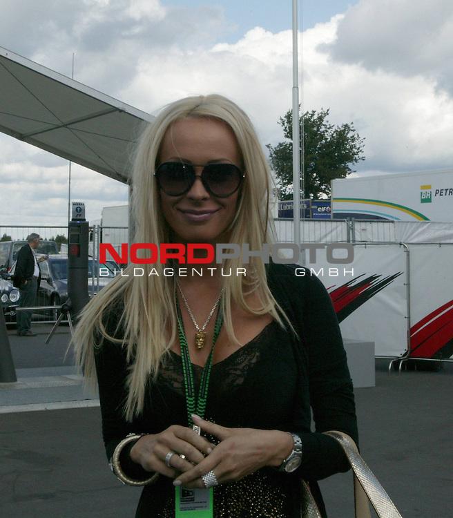 Formel 1  - Gro&szlig;er Preis von Europa - 2007<br /> Sonntag-Rennen<br /> Cora Schumacher<br /> <br /> Foto &copy; nph (  nordphoto )
