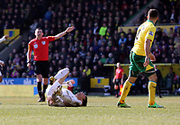 Pictured L-R: Match referee M Oliver gives a free kick to Swansea for Michu of Swansea being brought down by Bradley Johnson of Norwich. Saturday 06 April 2013<br />