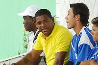BARUERI, SP - 18.01.2012 – JOGO TREINO GREMIO BARUERI X GREMIO OSASCO – Vampeta ao lado de Yamada goleiro do Osasco. Nesta quarta-feira (18) a tarde as equipe do Gremio Barueri e Gremio Osasco participaram de um jogo treino, no Centro de Treinamento da Vila Porto em Barueri, na Grande SP. O jogo acabou empatado em 1 a 1, os gols foram marcados por Marcelinho (Barueri) e Luciano (Osasco). (Foto: Renato Silvestre/NewsFree)