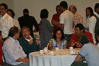 ATENÇÃO EDITOR: FOTO EMBARGADA PARA VEÍCULOS INTERNACIONAIS. - SAO PAULO, SP, 07 DE OUTUBRO 2012 - ELEIÇÕES 2012 - Luiz Inácio LULA toma café da manhã com Fernando HADDAD, no Hotel Pestana – Vl Mariana - São Paulo, antes de irem para suas zonas eleitorais - FOTO: MAURICIO CAMARGO / BRAZIL PHOTO PRESS.
