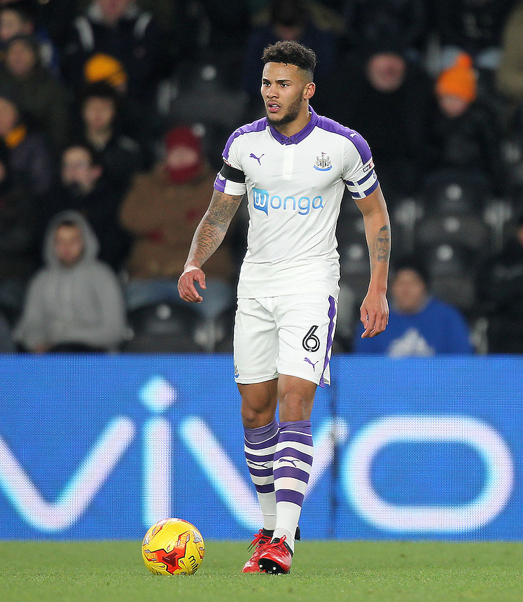 Newcastle United's Jamaal Lascelles<br /> <br /> Photographer /Mick Walker CameraSport<br /> <br /> The EFL Cup Quarter Final - Hull City v Newcastle United - Tuesday 29th November 2016 - The KCOM Stadium - Hull<br />  <br /> World Copyright &copy; 2016 CameraSport. All rights reserved. 43 Linden Ave. Countesthorpe. Leicester. England. LE8 5PG - Tel: +44 (0) 116 277 4147 - admin@camerasport.com - www.camerasport.com