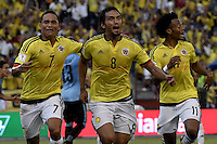 BARRANQUILLA - COLOMBIA - 11-10-2016: Abel Aguilar (#8) jugador de Colombia celebra después de anotar un gol a Uruguay durante partido de la fecha 10 para la clasificación a la Copa Mundial de la FIFA Rusia 2018 jugado en el estadio Metropolitano Roberto Melendez en Barranquilla./  Abel Aguilar (#8) player of Colombia celebrates after scoring a goal to Uruguay during match of the date 10 for the qualifier to FIFA World Cup Russia 2018 played at Metropolitan stadium Roberto Melendez in Barranquilla. Photo: VizzorImage/ Gabriel Aponte / Staff