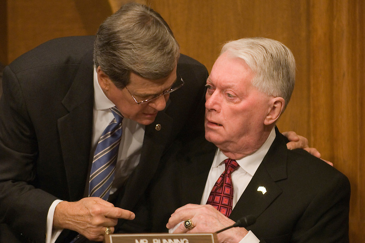 Tent Lott, R-Miss., talks with Jim Bunning, R-KY., before the start of the full committee hearing on Tax Incentives for Businesses in Response to a Minimum Wage Increase.