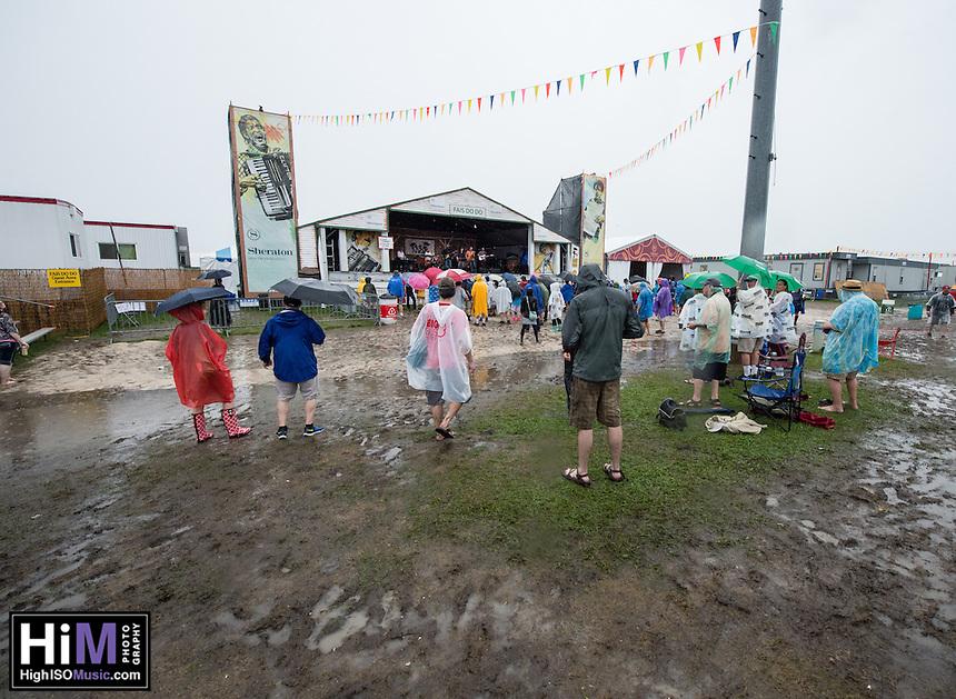 Roddie Romero and Hub City Allstars perform at Jazz Fest 2016.