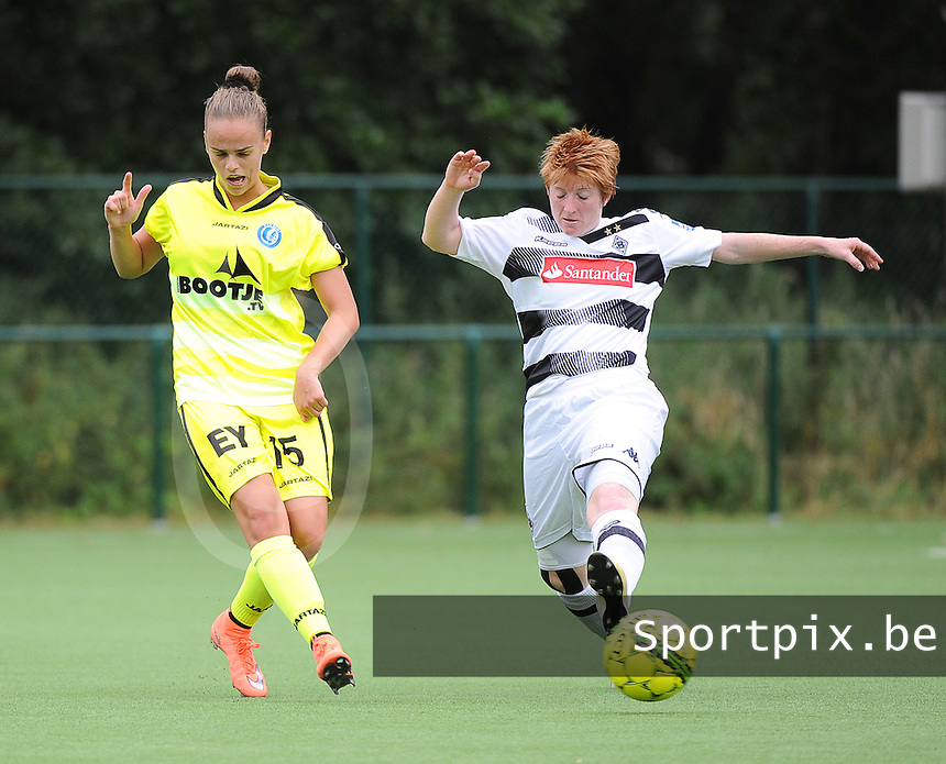 20160730 - GENT , BELGIUM : Gent's Amber Maximus (L)  and Borussia Mönchengladbach's Anne Birmann (R) pictured during a friendly game between KAA Gent Ladies and Borussia Mönchengladbach during the preparations for the 2016-2017 season , Saturday 30 July 2016 ,  PHOTO Dirk Vuylsteke | Sportpix.Be