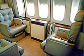 Interior of the Annex, seen here in executive configuration, can be converted for use as an emergency medical facility, aboard Air Force One on or about September 27, 1990.  This is a contractor photo released by the United States Department of Defense (DoD)..Credit: DoD via CNP