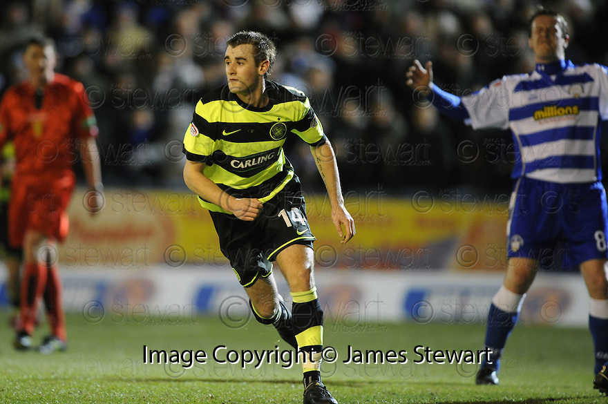 19/01/2010  Copyright  Pic : James Stewart.sct_jspa_01_morton_v_celtic  .:: NIALL MCGINN SCORES CELTIC'S FIRST ::.James Stewart Photography 19 Carronlea Drive, Falkirk. FK2 8DN      Vat Reg No. 607 6932 25.Telephone      : +44 (0)1324 570291 .Mobile              : +44 (0)7721 416997.E-mail  :  jim@jspa.co.uk.If you require further information then contact Jim Stewart on any of the numbers above.........