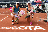 BOGOTÁ-COLOMBIA, 13-04-2019: Astra Sharma (AUS) y Zoe Hives (AUS), con el trofeo de campeonas de dobles del Claro Colsanitas WTA, que se realiza en el Carmel Club en la ciudad de Bogotá. / Astra Sharma (AUS), Zoe Hives (AUS), with the trophy as champions of doubles of Claro Colsanitas WTA, which takes place at Carmel Club in Bogota city. / Photo: VizzorImage / Luis Ramírez / Staff.