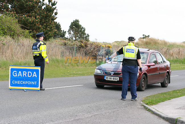 Laytown Guards Checkpoints...Photo NEWSFILE/Jenny Matthews.(Photo credit should read Jenny Matthews/NEWSFILE)....This Picture has been sent you under the condtions enclosed by:.Newsfile Ltd..The Studio,.Millmount Abbey,.Drogheda,.Co Meath..Ireland..Tel: +353(0)41-9871240.Fax: +353(0)41-9871260.GSM: +353(0)86-2500958.email: pictures@newsfile.ie.www.newsfile.ie.FTP: 193.120.102.198.