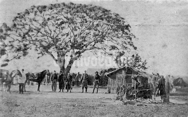 Tropas durante la guerra de la Triple Alianza, parte de la coleccion de fotografias tomada por la Casa Bate de Montevideo. La guerra de la Triple Alianza enfrento a Paraguay contra Argentina, Brasil y Uruguay de 1865 a 1870.+historica *Troops during  the Triple Alliance war that faced Paraguay against Argentina, Uruguay and Brasil from 1865 to 1870 +historic