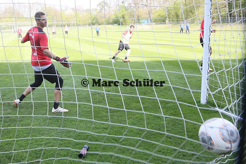 Kevin Trapp geschlagen - Eintracht Frankfurt Training