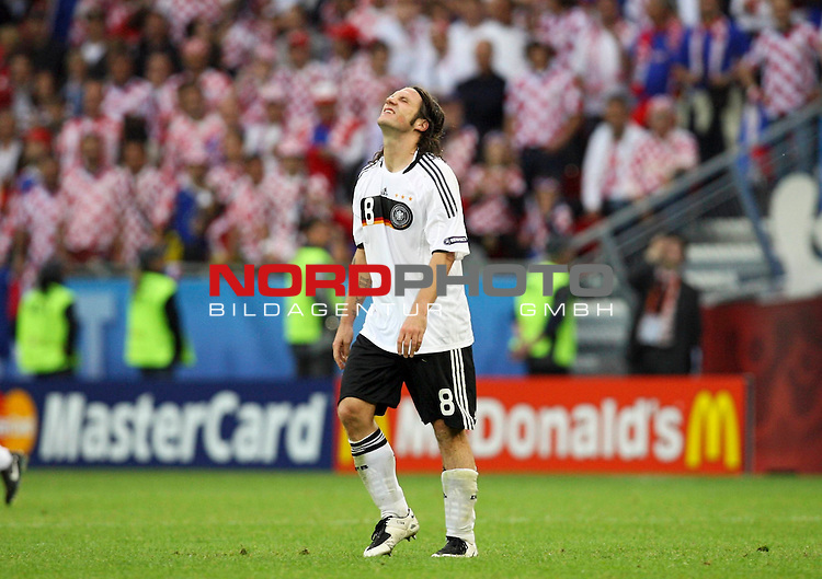 UEFA Euro 2008 Group B Match 11 Klagenfurt - W&ouml;rthersee-Stadion.<br />  Kroatien ( CRO ) - Deutschland ( GER ). 2:1 (1:0)<br /> <br /> Torsten Frings ( Germany / Mittelfeldspieler / Midfielder /  Werder Bremen #08) <br /> <br /> Foto &copy; nph (  nordphoto  )