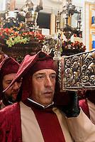 Thron mit Christus, Prozession  der Bruderschaft Paso Encarnado bei  der Semana Santa (Karwoche) in Lorca,  Provinz Murcia, Spanien, Europa