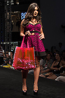 S&Atilde;O PAULO-SP-03.03.2015 - INVERNO 2015/MEGA FASHION WEEK -Grife Divina Gata/<br /> O Shopping Mega Polo Moda inicia a 18&deg; edi&ccedil;&atilde;o do Mega Fashion Week, (02,03 e 04 de Mar&ccedil;o) com as principais tend&ecirc;ncias do outono/inverno 2015.Com 1400 looks das 300 marcas presentes no shopping de atacado.Br&aacute;z-Regi&atilde;o central da cidade de S&atilde;o Paulo na manh&atilde; dessa segunda-feira,02.(Foto:Kevin David/Brazil Photo Press)