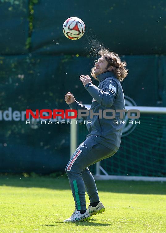 15.05.2015, Trainingsgelaende, Bremen, GER, 1.FBL, Training Werder Bremen, im Bild Torsten Frings (Co-Trainer Werder Bremen)<br /> <br /> Foto &copy; nordphoto / Frisch