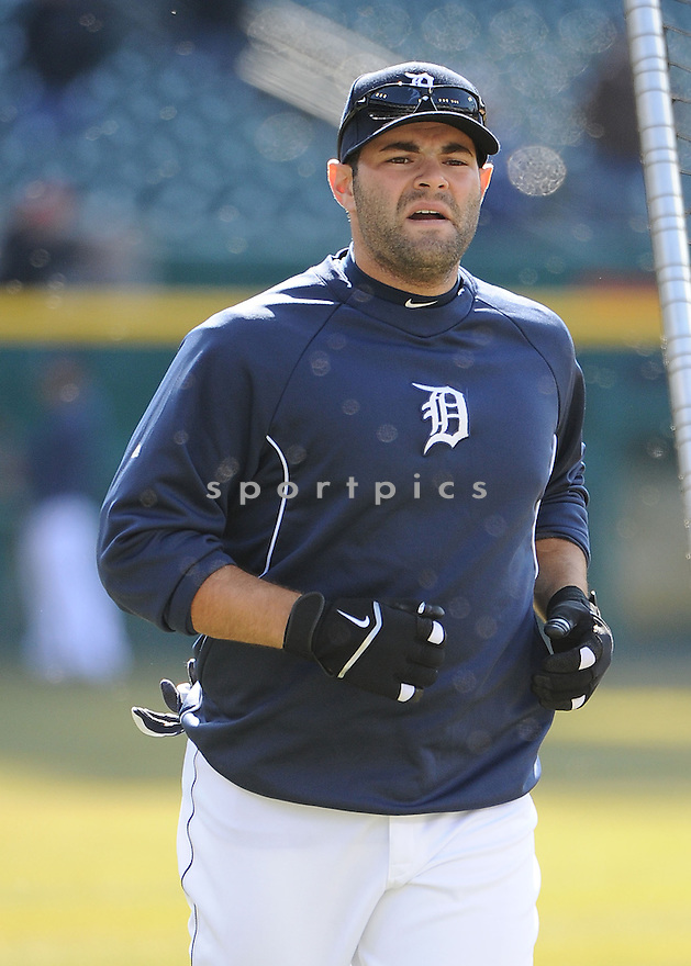 Detroit Tigers Alex Avila (13)  during a game against the New York Yankees on April 5, 2013 at Comerica Park in Detroit, MI. The Tigers beat the Yankees 8-3.