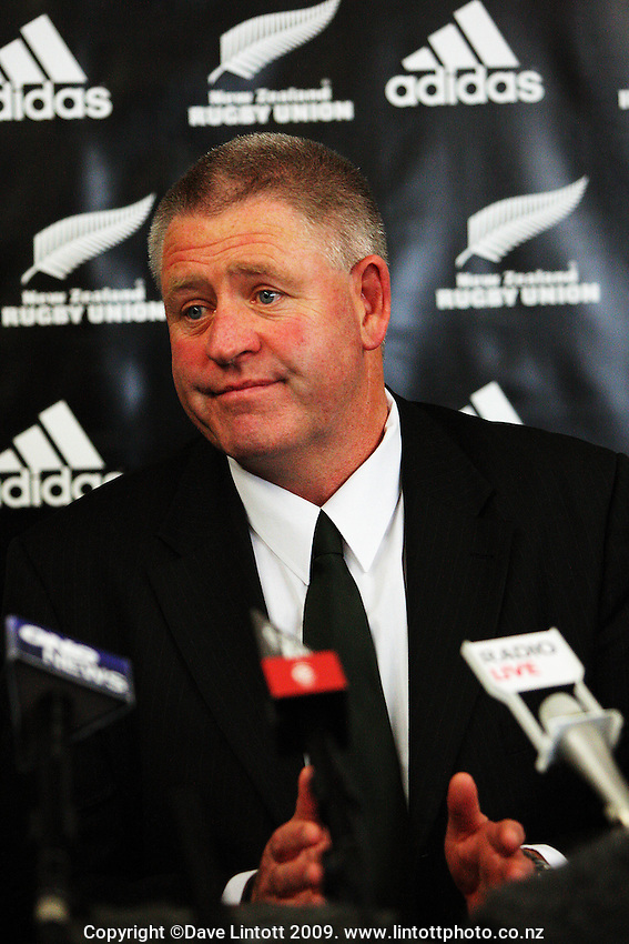 NZRU CEO Steve Tew. NZRU announces 2010 provincial rugby competition formats at NZRU Head Office, Wellington, New Zealand on Friday, 11 December 2009. Photo: Dave Lintott / lintottphoto.co.nz