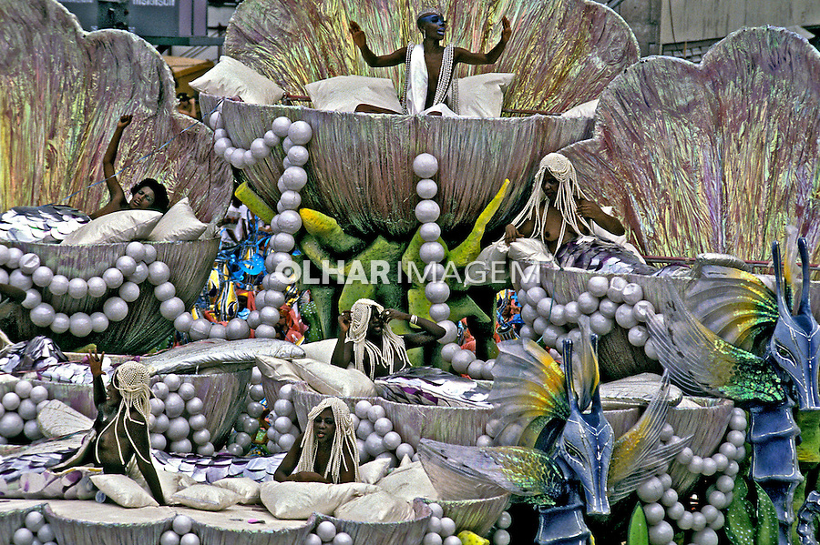 Desfile de carnaval da Império Serrano. Rio de Janeiro. I989. Foto de Juca Martins.