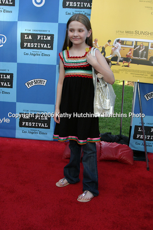 "Abigail Breslin.""Little Miss Sunshine"" Premiere.Wadsworth Theater.Westwood, CA.July 2, 2006.©2006 Kathy Hutchins / Hutchins Photo...."