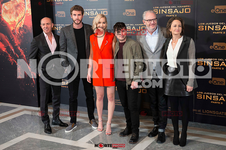 "The left to the right, producer Jon Kilik, actor Liam Hemsworth, actress Jennifer Lawrence, actor Josh Hutcherson, director Francis Lawrence and producer Nina Jacobson during the presentation of film ""The Hunger Games: Sinsajo Part 2"" in Madrid, Novermber 10, 2015.<br /> (ALTERPHOTOS/BorjaB.Hojas)"