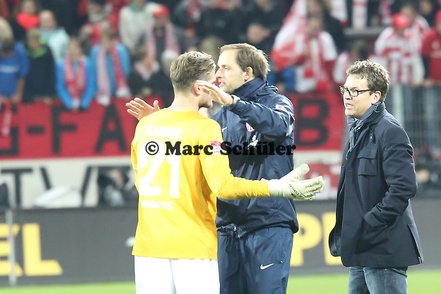 Siegesjubel Mainz mit Loris Karius und Trainer Thomas Tuchel - 1. FSV Mainz 05 vs. Eintracht Frankfurt, Coface Arena, 12. Spieltag