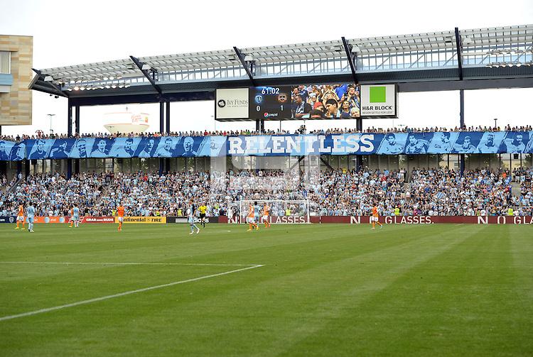 Sporting Park.Sporting Kansas City and Houston Dynamo played to a 1-1 tie at Sporting Park, Kansas City, Kansas.