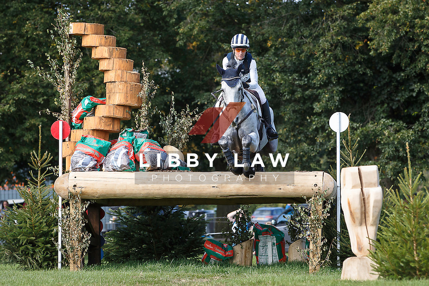 NZL-Caroline Powell (UP UP AND AWAY) FINAL-18TH: CIC3* CROSS COUNTRY: 2015 GBR-Blenheim Palace International Horse Trial (Sunday 20 September) CREDIT: Libby Law COPYRIGHT: LIBBY LAW PHOTOGRAPHY