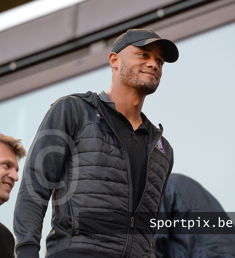 20190807 - ANDERLECHT, BELGIUM : Anderlecht's men's team heac coach Vincent Kompany pictured during the female soccer game between the Belgian RSCA Ladies – Royal Sporting Club Anderlecht Dames  and the Greek FC PAOK Thessaloniki ladies , the first game for both teams in the Uefa Womens Champions League Qualifying round in group 8 , Wednesday 7 th August 2019 at the Lotto Park Stadium in Anderlecht  , Belgium  .  PHOTO SPORTPIX.BE | DAVID CATRY