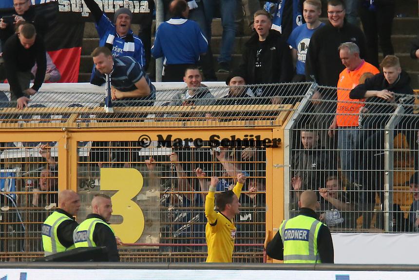Torjubel um Christian Müller (Bielefeld) beim 0:1 - SV Darmstadt 98 vs. Armina Bielefeld, Stadion am Böllenfalltor
