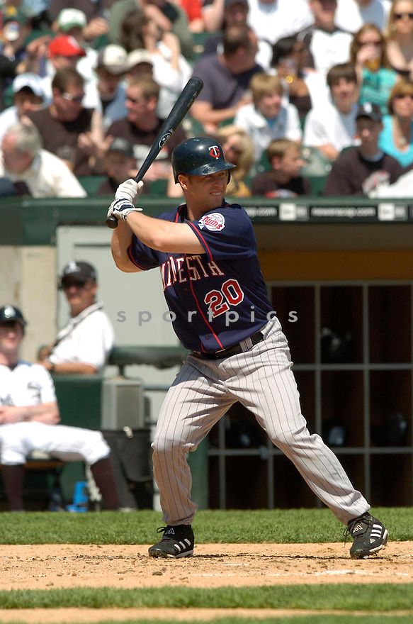 Lew Ford, of the Minnesota Twins, during their game against the Chicago White Sox on April 23, 2006 in Chicago...Sox  win 7-3..David Durochik / SportPics