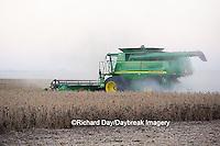 63801-06609 John Deere combine harvesting soybeans, Marion Co., IL