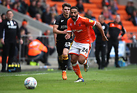 Blackpool's Liam Feeney takes a high tackle with Bradford City's Connor Wood<br /> <br /> Photographer Rachel Holborn/CameraSport<br /> <br /> The EFL Sky Bet League One - Blackpool v Bradford City - Saturday September 8th 2018 - Bloomfield Road - Blackpool<br /> <br /> World Copyright &copy; 2018 CameraSport. All rights reserved. 43 Linden Ave. Countesthorpe. Leicester. England. LE8 5PG - Tel: +44 (0) 116 277 4147 - admin@camerasport.com - www.camerasport.com