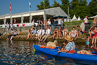 """Henley on Thames, United Kingdom, 3rd July 2018, Friday,  """"Henley Royal Regatta"""",  View, Spectator's sitting in the bank, by Remenham Club, keeping cool,  Henley Reach, River Thames, Thames Valley, England, UK."""