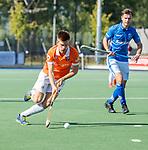 UTRECHT - Thierry Brinkman (Bldaal) met Robbert Kemperman (Kampong)  tijdens   de hoofdklasse competitiewedstrijd mannen, Kampong-Bloemendaal (2-2) . COPYRIGHT   KOEN SUYK