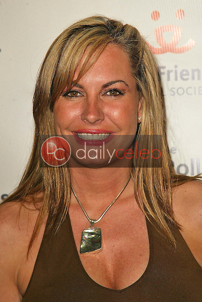 Kristen Kirchner<br /> at the 2005 Annual Lint Roller Party by Best Friends Animal Society, Hollywood Roosevelt Hotel, Hollywood, CA 05-06-05<br /> David Edwards/DailyCeleb.Com 818-249-4998