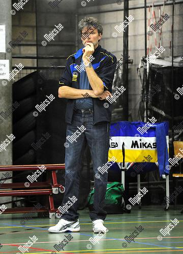 2012-10-13 / Volleybal / Seizoen 2012-2013 / Amigos Zoersel / Etienne De Buck..Foto: Mpics.be