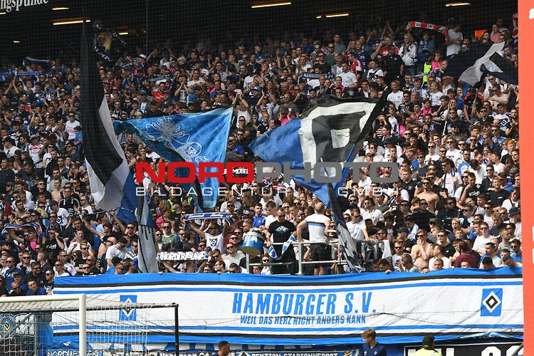 19.05.2019,  GER; 2. FBL, Hamburger SV vs MSV Duisburg ,DFL REGULATIONS PROHIBIT ANY USE OF PHOTOGRAPHS AS IMAGE SEQUENCES AND/OR QUASI-VIDEO, im Bild Feature die Fans des HSV unterstuetzen ihren Verein Foto © nordphoto / Witke *** Local Caption ***