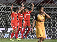 CALI - COLOMBIA, 24-09-2019: Catalina Usme del América celebra después del partido por la final ida de la Liga Femenina Aguila 2019 entre América Cali y Medellin Petrolera jugado en el estadio Pascual Guerrero de la ciudad de Cali. / Catalina Usme of America celebrates after first leg final match as part of Aguila Women League 2019 between America de Cali and Independiente Medellin played at Pascual Guerrero stadium in Cali. Photo: VizzorImage / Gabriel Aponte / Staff