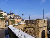 Altstadt bei der Wenzelsmauer, Luxemburg-City, Luxemburg, Europa, UNESCO-Weltkulturerbe<br /> Historic city at Wenzelsmauer, Luxembourg City, Europe, UNESCO Heritage Site