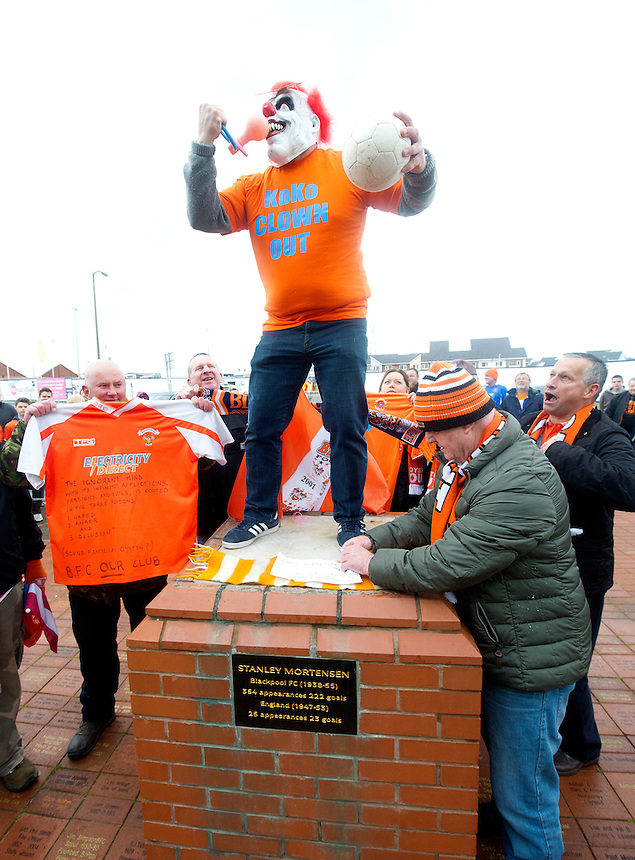 Blackpool fans protest at the removal of the statue of Blackpool legend Stanley Mortensen, by the club.<br /> <br /> Photographer Stephen White/CameraSport<br /> <br /> Football - The Football League Sky Bet Championship - Blackpool v Huddersfield Town - Saturday 2nd May 2015 - Bloomfield Road - Blackpool<br /> <br /> &copy; CameraSport - 43 Linden Ave. Countesthorpe. Leicester. England. LE8 5PG - Tel: +44 (0) 116 277 4147 - admin@camerasport.com - www.camerasport.com
