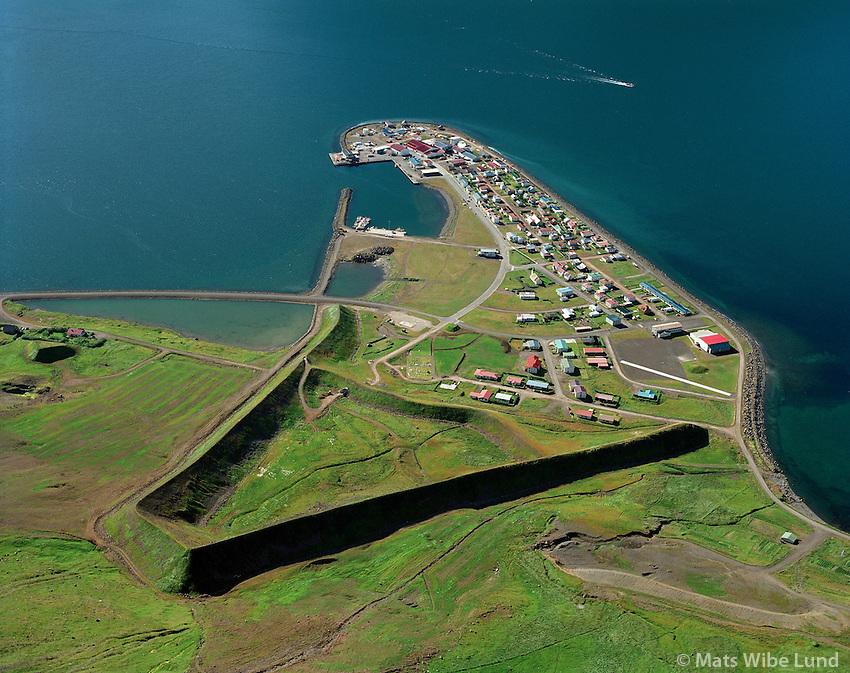 Flateyri með snjófloðavarnargarð, Ísafjarðarbær / Flateyri with avalange protection walls, Isafjardarbaer.