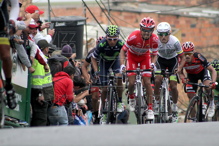 TUNJA - COLOMBIA- 21- 02-2016: Rodolfo Torres, Nairo Quintana y Darwin Atapuma durante la prueba ruta categoría Elite hombres con recorrido entre las ciudades de Sogamoso y Tunja en una distancia 174,6 km kilometros de Los Campeonato Nacionales de Ciclismo 2016, que se realizan en Boyaca. / Rodolfo Torres, Bairo Quintana and Darwin Atapuma during the Elite test individual route men conducted  between the towns of Sogamoso and Tunja at a distance of 174,6 km of the National Cycling Championships 2016 performed in Boyaca. / Photo: VizzorImage / Cesar Melgarejo / Cont.