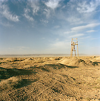Lookout post on the road to Jiayuguan, Silk Route, Dunhuang, Jiuquan, Gansu Province, China.