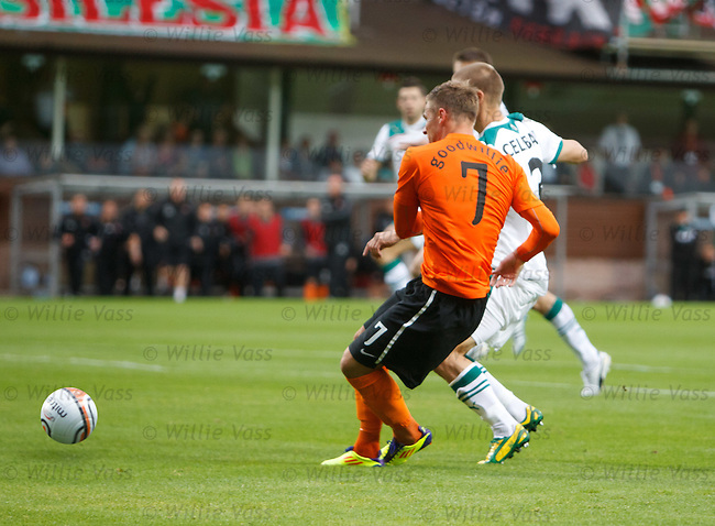 David Goodwillie scores no 2 for Dundee Utd