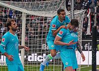 "celebrate the goal, Torjubel zum 0:1 Wout Weghorst (VfL Wolfsburg) mit ""Babybauch"" - 23.11.2019: Eintracht Frankfurt vs. VfL Wolfsburg, Commerzbank Arena, 12. Spieltag<br /> DISCLAIMER: DFL regulations prohibit any use of photographs as image sequences and/or quasi-video."