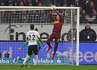 Faustabwehr Torwart Yann Sommer (Borussia Mönchengladbach) - 26.01.2018: Eintracht Frankfurt vs. Borussia Moenchengladbach, Commerzbank Arena