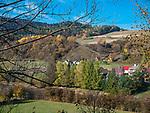 Terka, 12-10-2013 (woj. podkarpackie). Jesień w Bieszczadach - Terka wieś w gminie Solina.