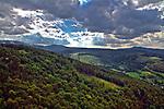 Widok na Kotlinę Jeleniogórską z zamku książęcego na górze Chojnik, Polska<br /> View of the Jeleniogórska Valley from the castle on the Chojnik mount, Poland