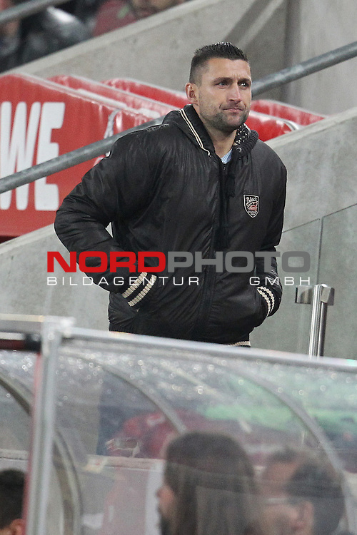 04.11.2013, RheinEnergieStadion, K&radic;&part;ln, GER, 2.FBL, 1. FC K&radic;&part;ln vs FC Union Berlin, im Bild<br /> Torsten Mattuschka (Berlin #17) entaeuscht / ent&radic;&sect;uscht / traurig auf der Trib&radic;ľne<br /> <br /> Foto &not;&copy; nph / Mueller *** Local Caption ***