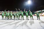 Stockholm 2015-01-30 Bandy Elitserien Hammarby IF - Sandvikens AIK :  <br /> Hammarbys spelare sjunger med Hammarbys supportrar efter matchen mellan Hammarby IF och Sandvikens AIK <br /> (Foto: Kenta J&ouml;nsson) Nyckelord:  Elitserien Bandy Zinkensdamms IP Zinkensdamm Zinken Hammarby Bajen HIF Sandviken SAIK jubel gl&auml;dje lycka glad happy supporter fans publik supporters